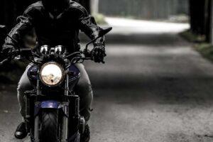 ¿Como aumentar la iluminación de mi moto de forma legal?