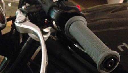 cambiar puños moto 1