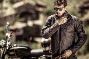 ¿Cómo poner protecciones a la chaqueta de la moto? – Coderas, espalderas, etc.