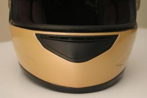 ¿Cómo restaurar un casco de moto viejo en tu casa con poco dinero?