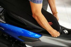 ¿Cómo poner o cambiar la funda al asiento de la moto? – Tapizar asiento moto