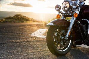 ¿Cómo instalar luces de emergencia en una moto? Paso a paso