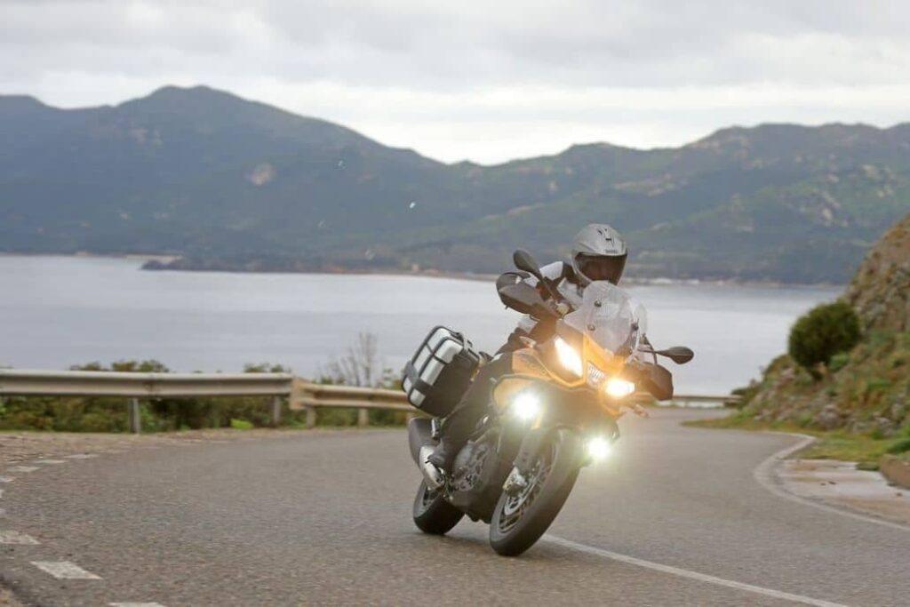 luz blanca faros moto