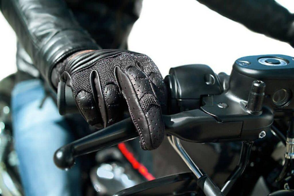 guantes cuero negro