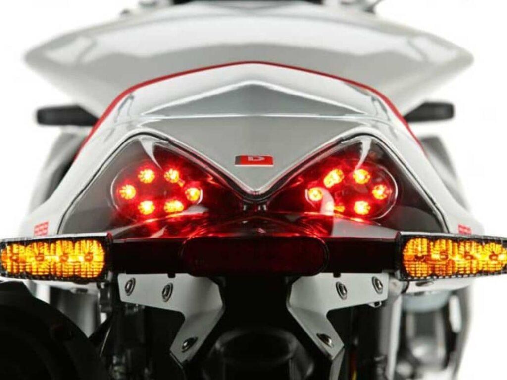 luces emergencia moto