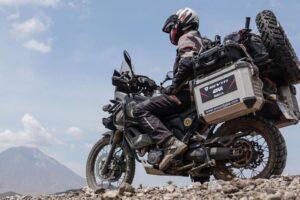 ¿Cómo quitar la maleta o baúl de tu moto fácilmente?
