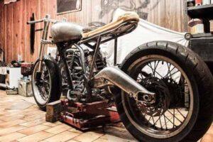 ¿Cómo poner, cambiar o recortar el guardabarros de tu moto tú mismo?