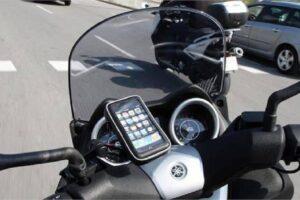 ¿Cómo poner el soporte del móvil en el manillar de mi moto y que no se caiga nunca?