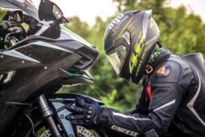 5 mejores cascos para motos de carretera – Integrales y modulares