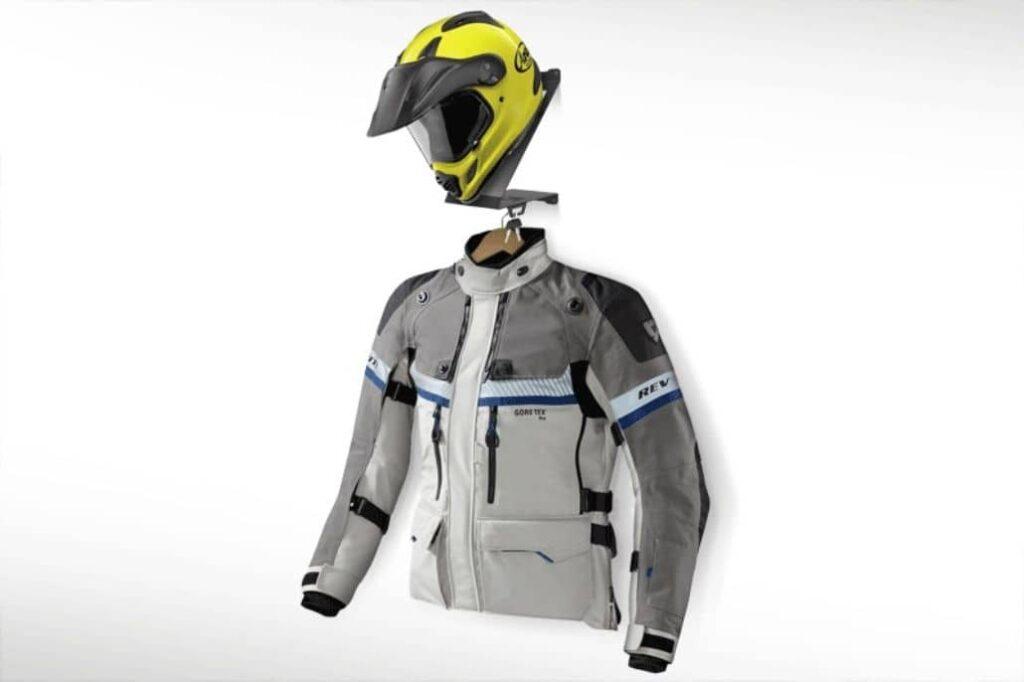 soporte casco chaqueta