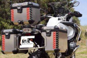 Los mejores adhesivos y pegatinas reflectantes para el casco de moto