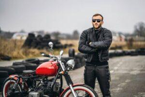 Los mejores pantalones de piel y cuero custom de hombre para moto – Top 5