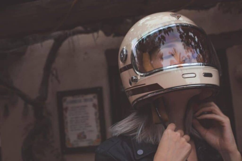 casco vintage beige