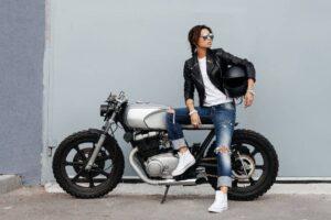 Mejores y más bonitos cascos de moto para mujer o para chica – TOP 5