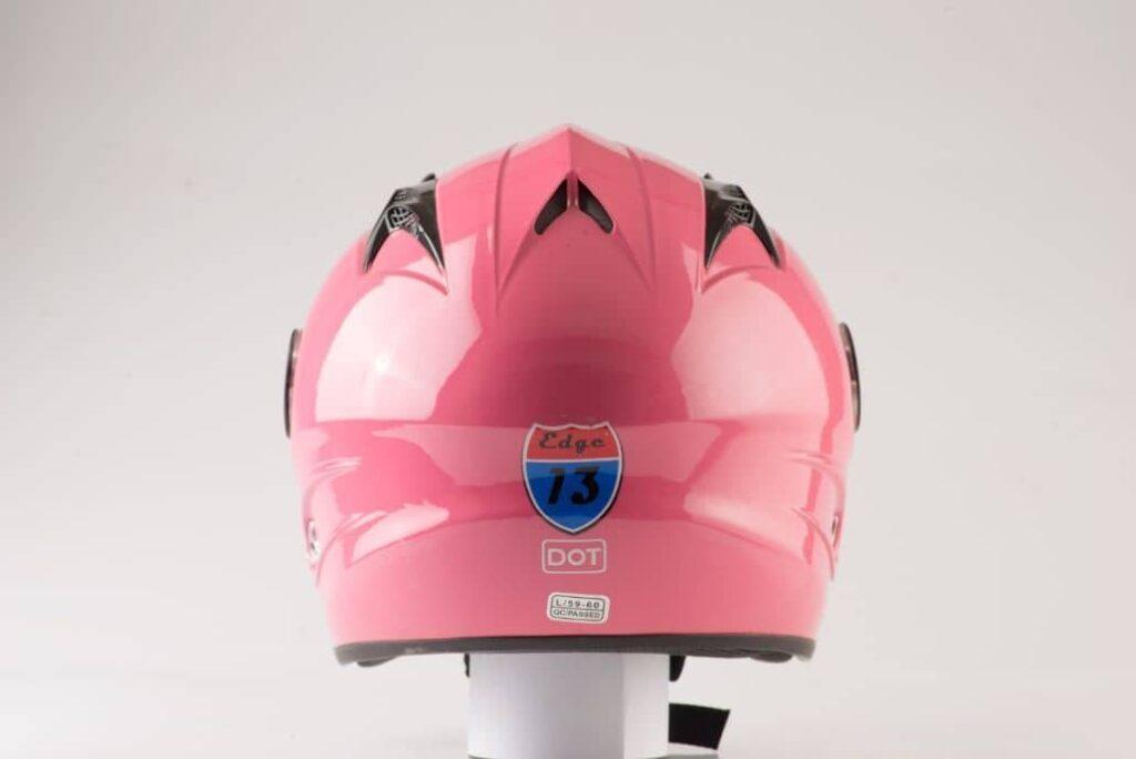 casco rosa vista trasera